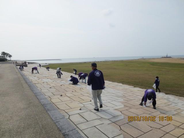 イメージ:小野田LC『きららビーチ焼野海岸清掃活動』(2013.10.3)(1)